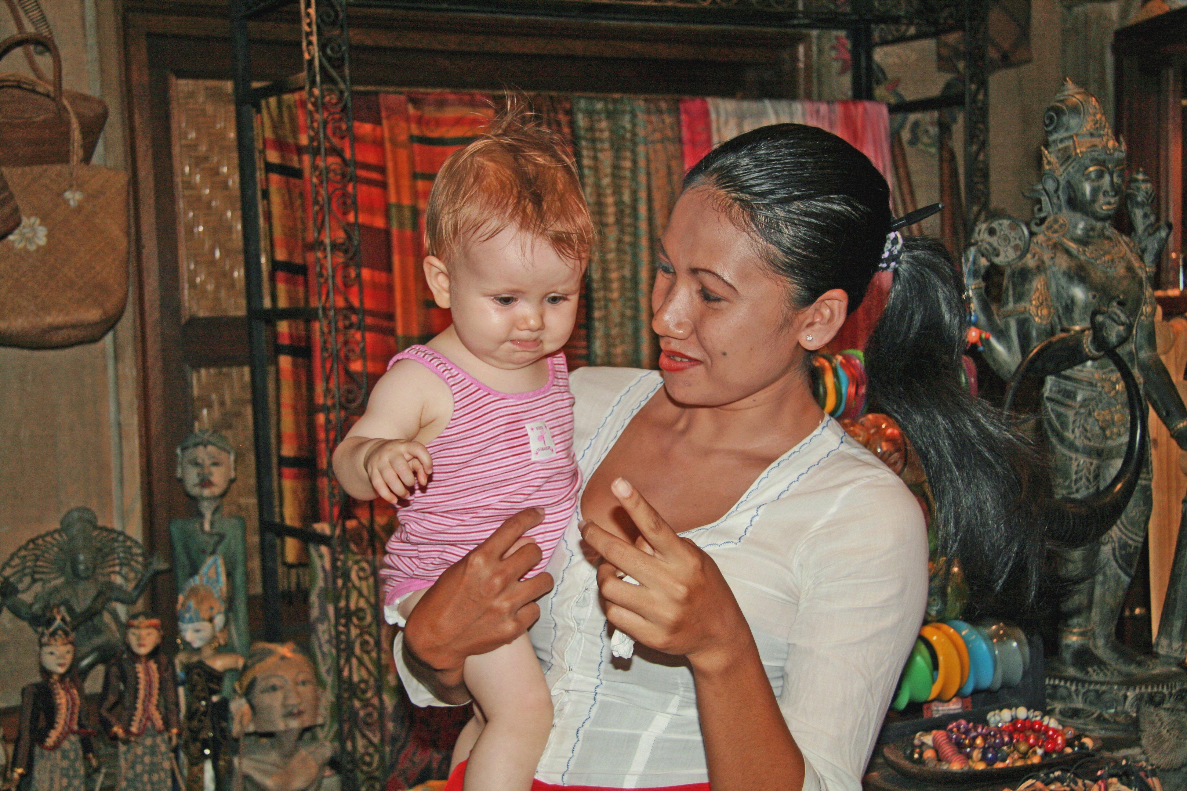 In Asien landen ausländische Babys schnell in fremden Armen © Susanne Frank