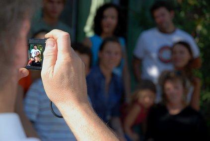 Ein Urlaubs-Gruppenbild mit allen drei Generationen ist eine tolle Erinnerung © Thibaud ELZIERE - Fotolia.com
