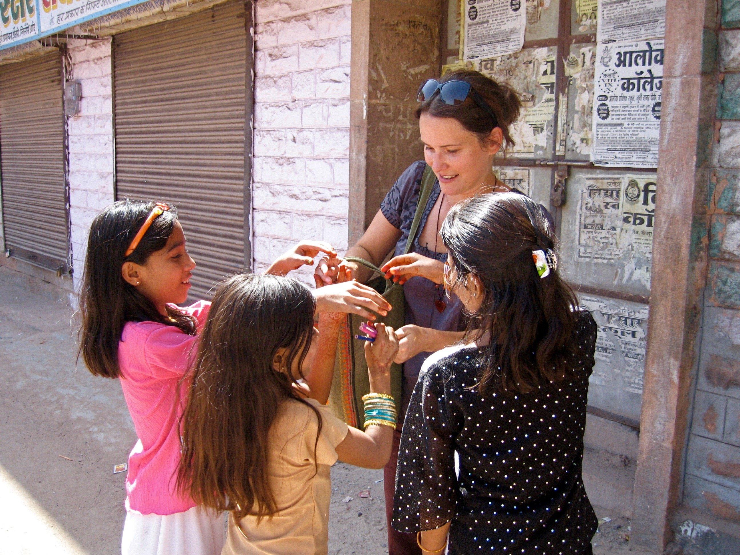 Indien: Stifte sind bei Kindern heißbegehrt © Susanne Frank