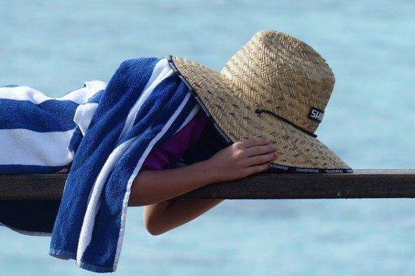 11 Sofort-Strategien gegen fieses Urlaubs-Heimweh bei Kindern
