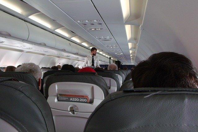 Fliegen Mit Baby Stillen Im Flugzeug Alles Was Ihr Wissen Müsst