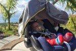 Schlafplatz Babyschale © www.withtwinsaroundtheworld.com