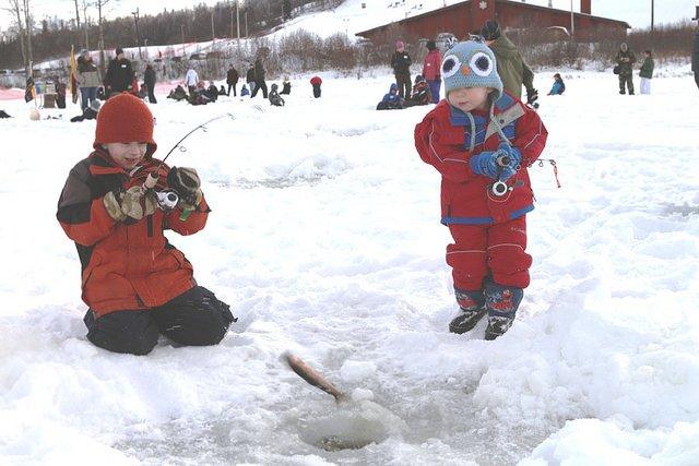 Eisangeln? Kinderspiel! © Flickr/U.S. Fish and Wildlife Service Headquarters