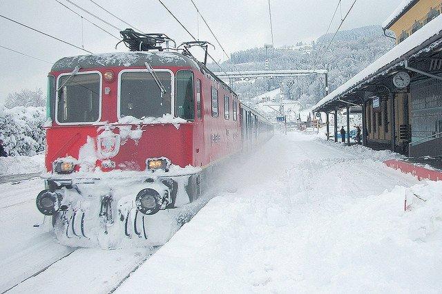 Mit der Bahn in den Skiurlaub © Rheineck - Switzerland von Kecko unter CC BY-ND 2.0