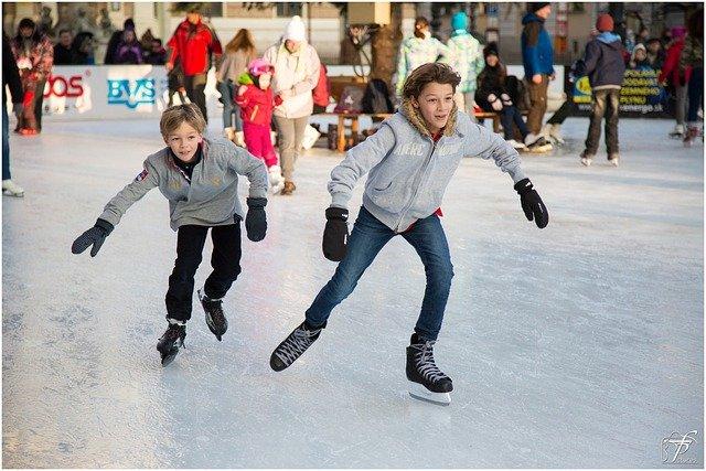 Eislaufen bietet viel Action und Bewegung auch ohne Schnee! © Pixabay