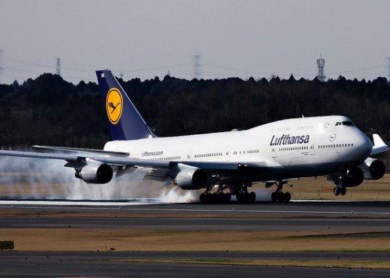 Die (un)sichersten deutschen Ferienflieger für Babys und Kinder