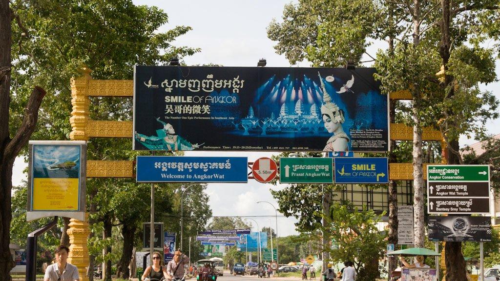 Zeichensalat in Kambodscha: Backpacking in fernen Ländern kann auch anstrengend sein © Weltwunderer