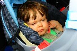 Schlafende Babys sind ideale Roadtrip-Gefährten