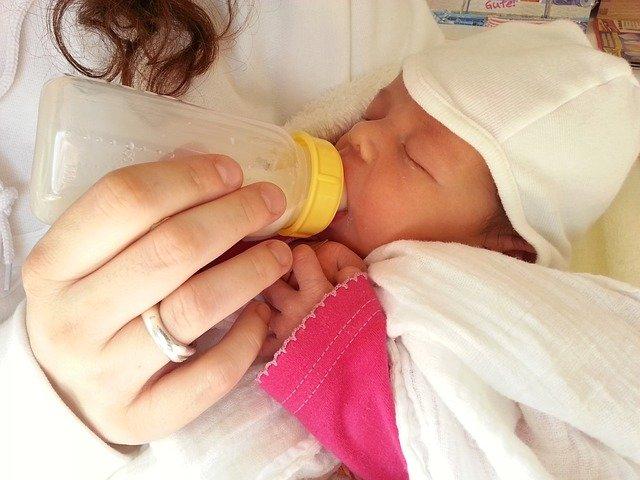 Muttermilch ist das Beste fürs Baby - auch abgepumpt © Pixabay