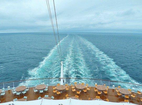 11 Überlebenstipps für Alleinreisende mit Kind auf hoher See
