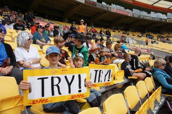 4 in Neuseeland beim Rugbyspiel © Annette Gref