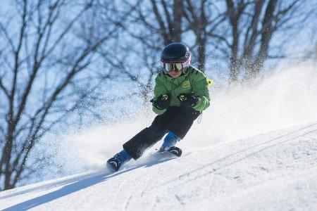 Günstig skifahren mit Kindern? Das geht! © Pixabay