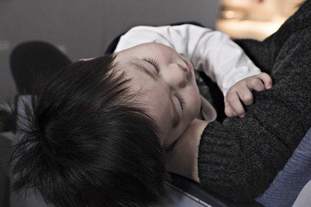 Schlafen auf Reisen ist ein großes Thema für viele Familien © Pixabay