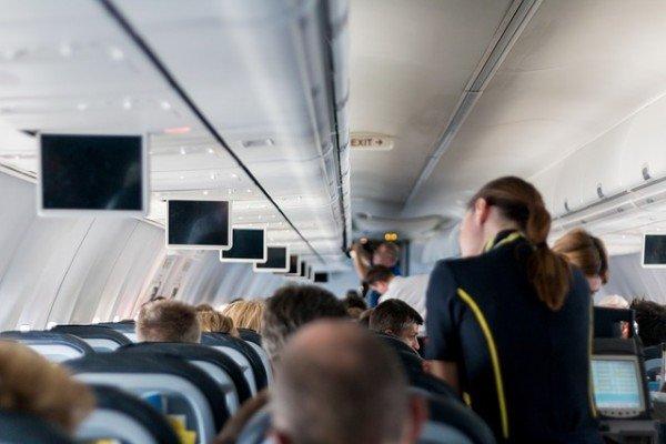 14 Dinge, die ihr im Flugzeug kostenlos bekommt
