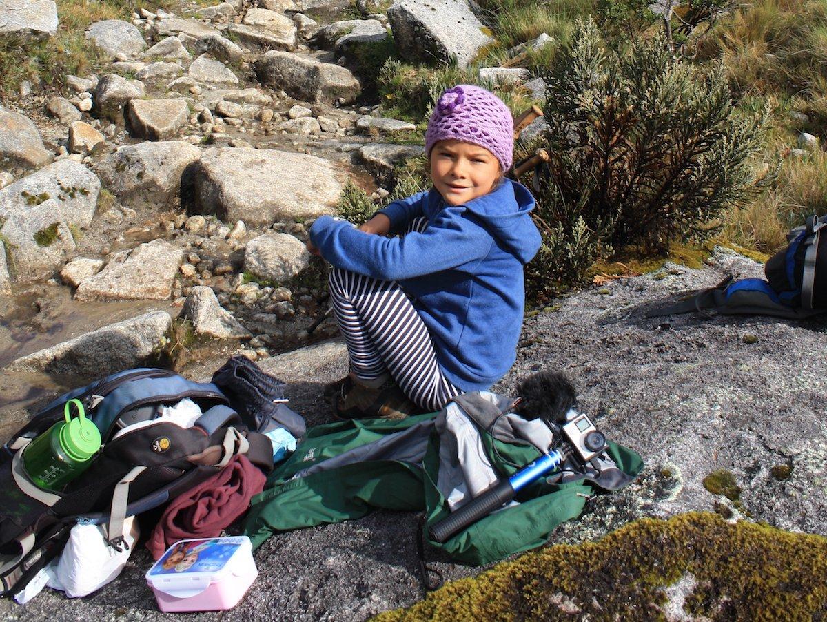Miriam bei einer Wanderpause in den Anden © Eva Wieners