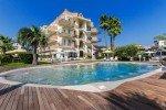 Hotel Almaluna mit Poollandschaft © Hotel Almaluna