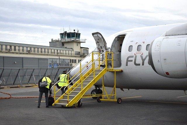 Wenn eine Maschine überbucht ist, müssen einige Passagiere draußen bleiben... © Pixabay
