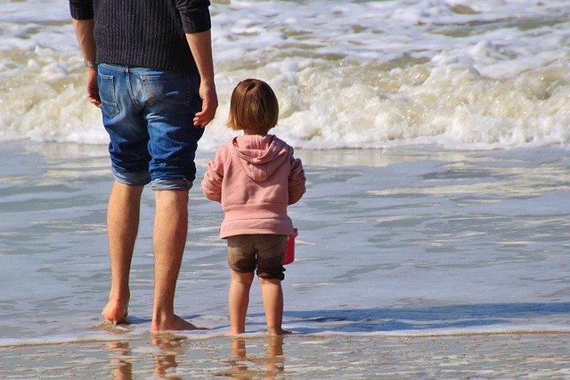 Strand ist zwar toll, aber nicht das einzige, was Kinder interessiert © Pixabay