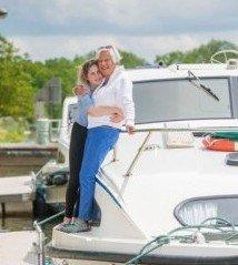 Ein Bootsurlaub schweißt die ganze Familie zusammen © Jane Geoghegan und Clare Mansell
